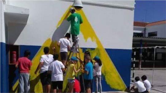pintura de mural durante as ferias ativas de verao