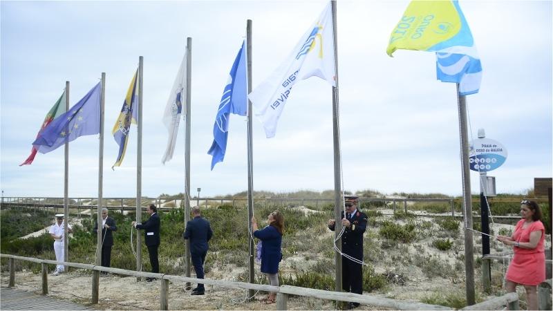 atribuição da bandeira azul à Praia do Osso da Baleia pelo 15º ano consecutivo