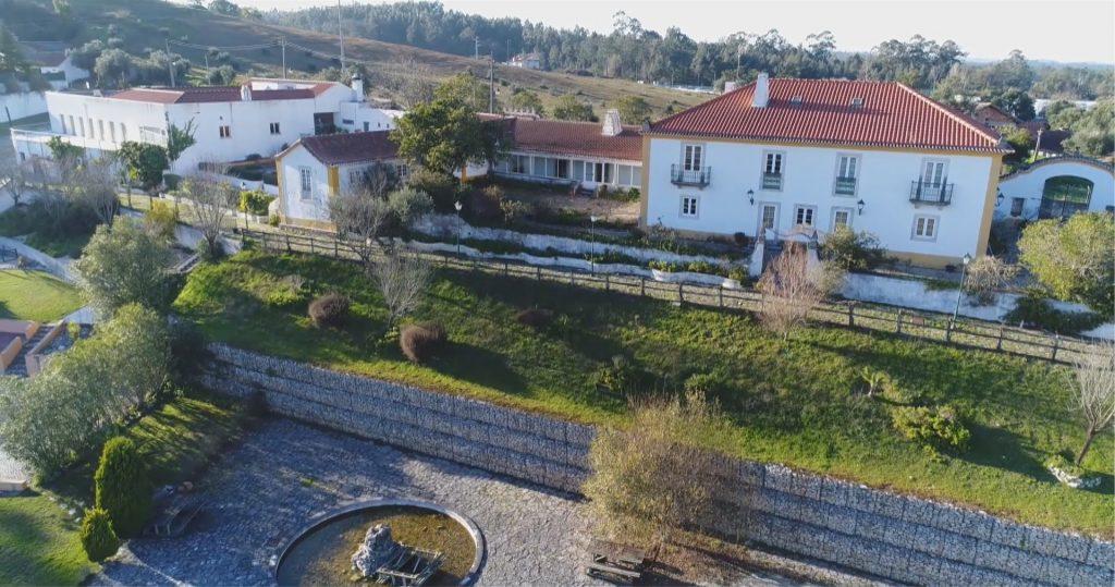 Jardins e alçado posterior da Quinta de Sant'Ana
